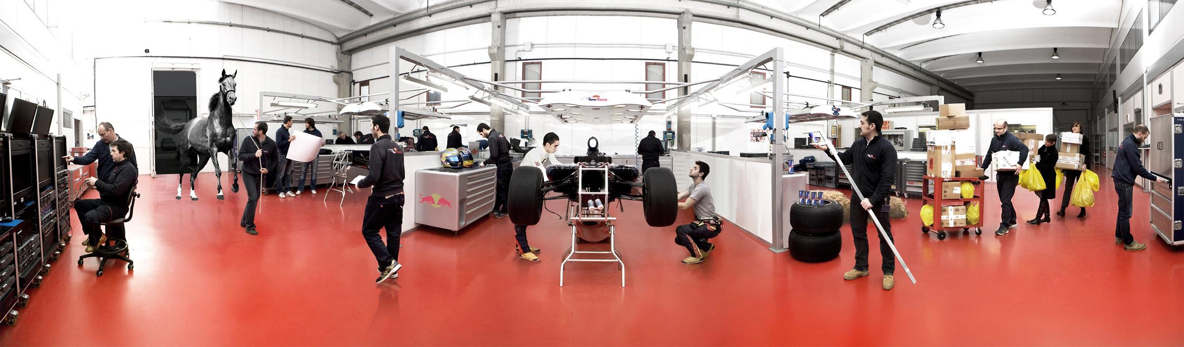 STR online interactive press pack, garage panorama