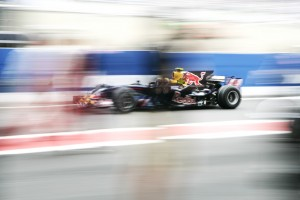 Mark Webber zips through the pitlane, Brazil 2008