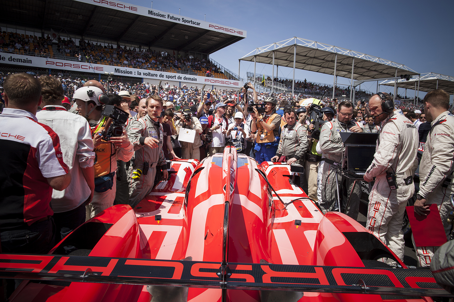 A packed grid at the Le Mans 24 hour race