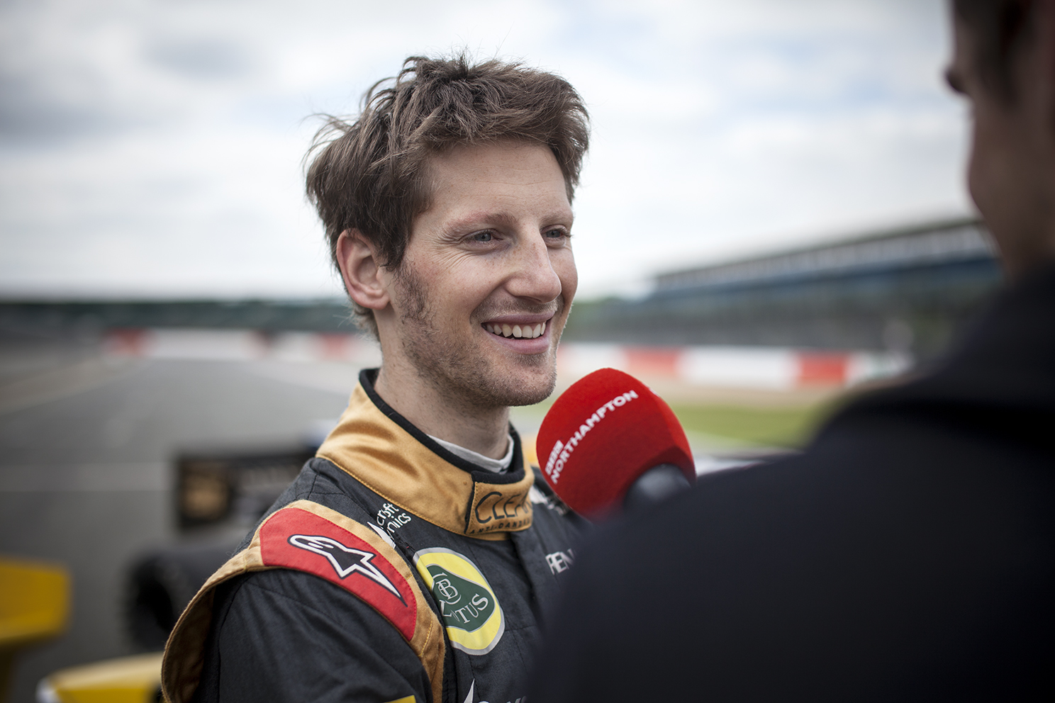 Romain Grosjean test drives Alain Prosts championship winning F1 car.